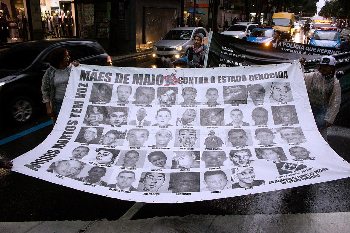 Manifestação no Centro do Rio, parte das atividades do Encontro — Foto: Rafael Daguerre